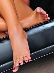Make an issue of Feet Alphabetize
