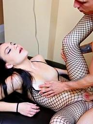 Smoking sexy babe Nikki Bell acquires a..