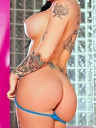 Busty honey Christy Mack shows her..