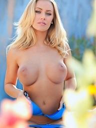 Nicole Aniston pops her gazoo out of blue panties - Digital Desire
